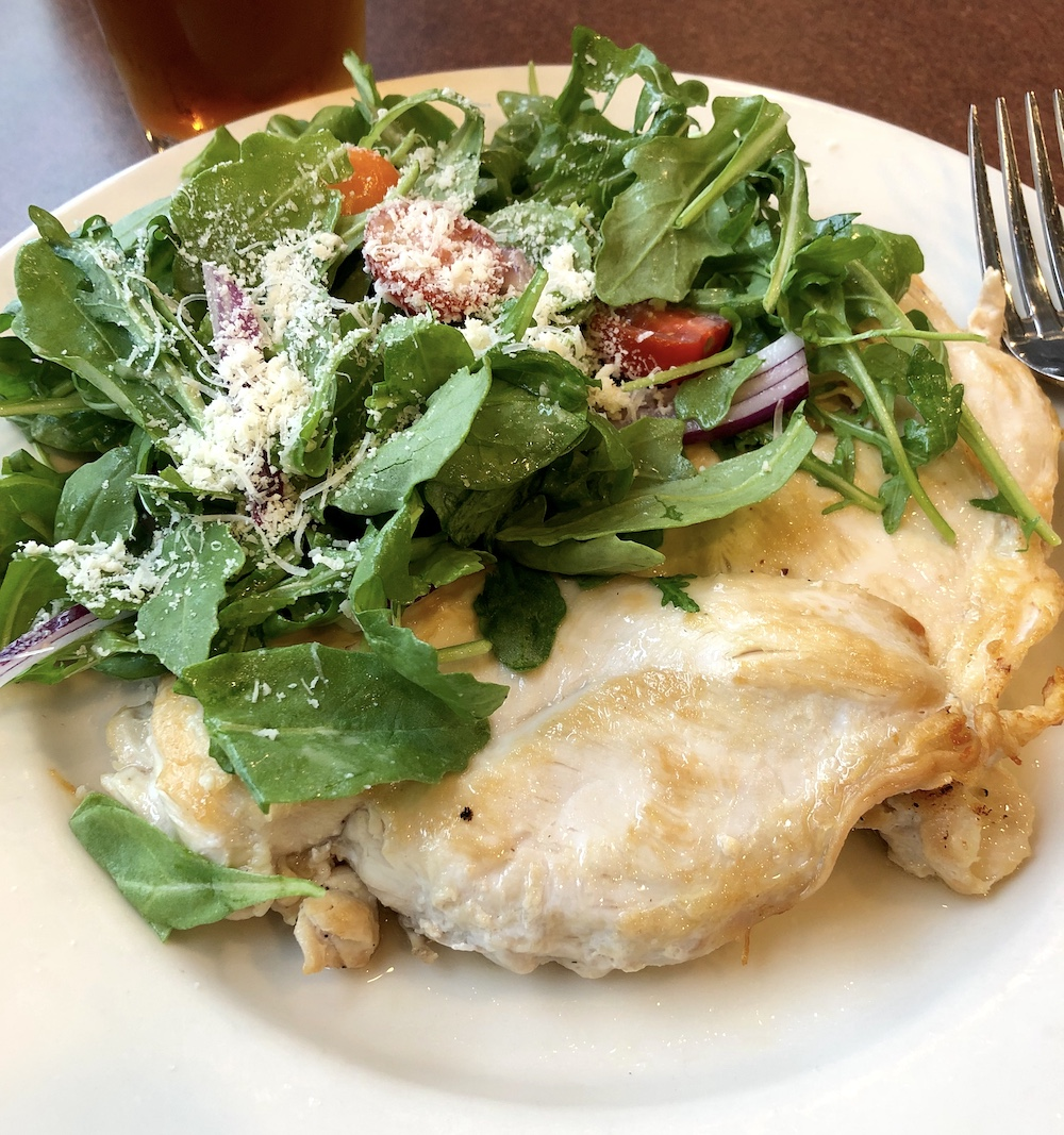 arbonne 30 days to healthy living meal - arugula salad and pan-seared chicken